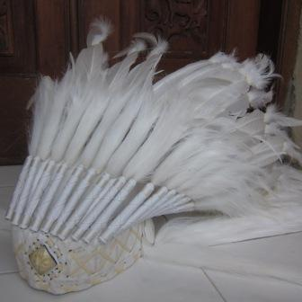 Headdress White with Caramel