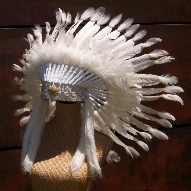 Headdress White with Caramel
