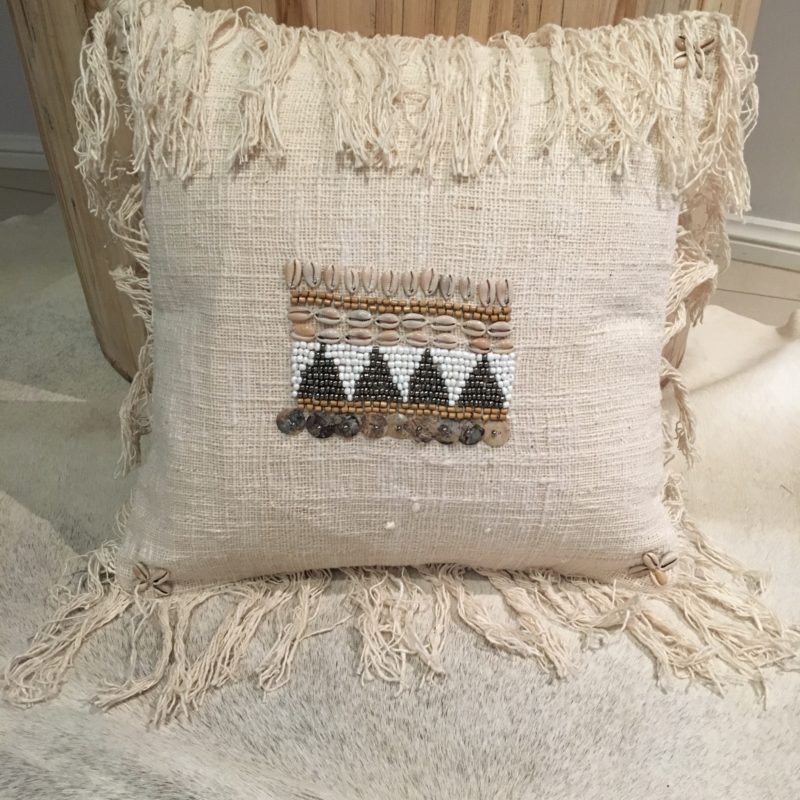 CUSHION COVER NATURAL BEADS