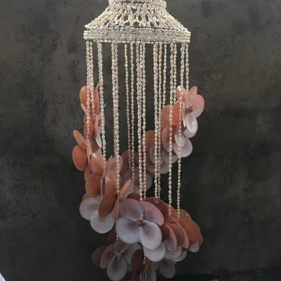 Flower shell chandelier Blush