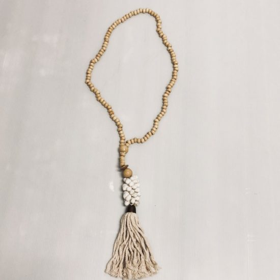 Natural beaded strand w/ shell